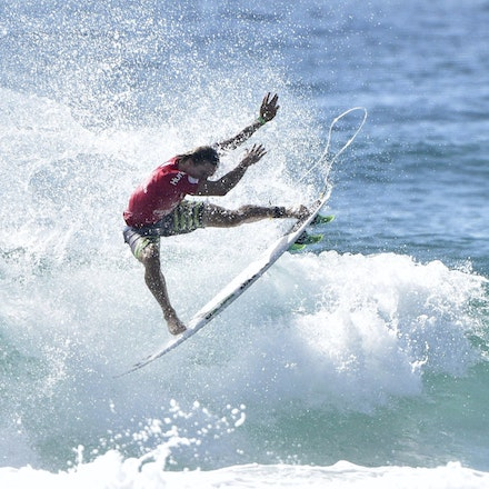 _XF22572 - 2015 12th February. Day 6 of the Australian Open of Surfing held at Manly Beach. Adrian Buchan (AUS) in action
