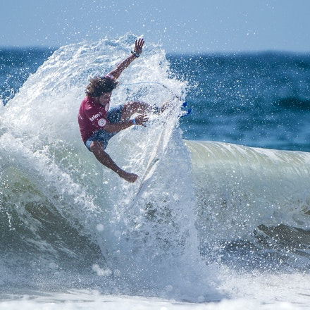 _XF25039 - 2015 14th February. Day 8 of the Hurley Australian Open of Surfing held at Manly Beach. Ian Gouveia (BRA) Michael Rodrigues (BRA) . Gouveia...