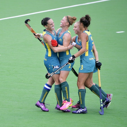 _PB10303 - 2015 4th April. Day 2 International Hockey Sydney. Australia V China