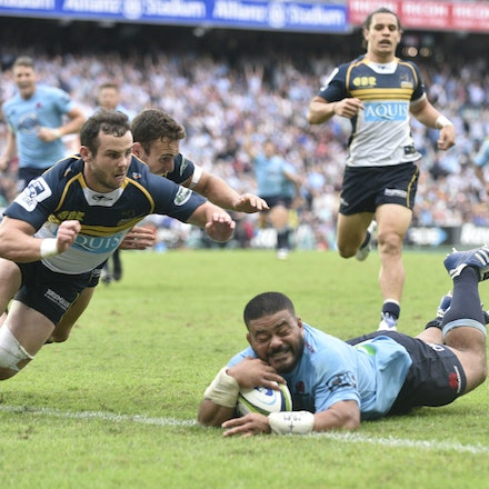 _XF27891 - 2015 22nd March. Waratahs defeat the Brumbies at Allianz Stadium 28-13, Hooker Tolu Latu scores a try in the 72nd minute