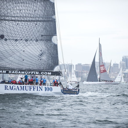 _DSC9509 - 2015 Rolex Sydney to Hobart start. Ragamuffin 100 in action.