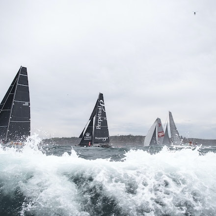 _DSC9552 - 2015 Rolex Sydney to Hobart start. Rough times await the fleet.