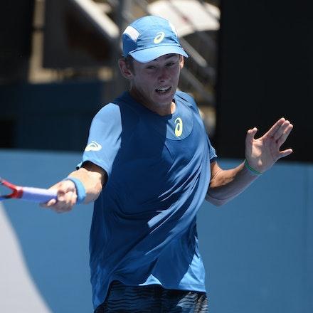 _PB18592 - 9th January 2017, Day 2, APIA International Sydney Tennis. Alex DE MINAUR (AUS) defeats Benoit PAIRE (FRA) 6-3 3-6 7-6 De Minaur in action