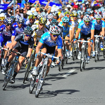 100117_cancer_council_PBP0251 - 17 January 2010, 2010 Cancer Council Helpline Classic, Adelaide, Australia. Riders in action. Photo by Peter Blakeman/Actionplus....