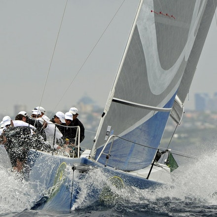 _DSC9157 - 16.12.2011. Sydney, Australia. Day 2. Rolex Trophy Rating Series. Shogun V skippered by Robert Hanna in action
