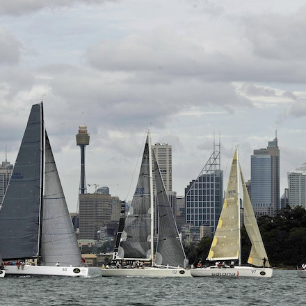 _DSC1973 - 18.12.2011. Sydney, Australia. Day 3. Rolex Trophy Passage Series. Starting the race with he city of Sydney in the background. Shown here is...