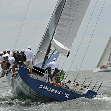 _DSC2354 - 18.12.2011. Sydney, Australia. Day 3. Rolex Trophy Passage Series. Shogun V skippered by Robert Hanna with Lahana skippered by Millard Honan...