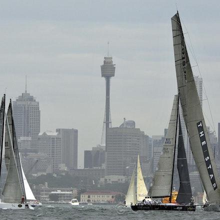 _DSC3816 - 26.12.2011. Sydney, Australia. Rolex Sydney to Hobart Yacht Race 2011. Loyal, Shogun and Jazz moments before the start of the race.