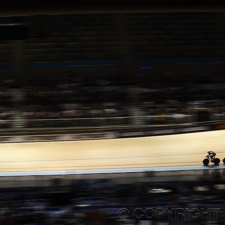 201204_Blakeman_074299 - 05.04.2012. Melbourne, Australia. Competitors in action at the 2012 World Championship Track Cycling.