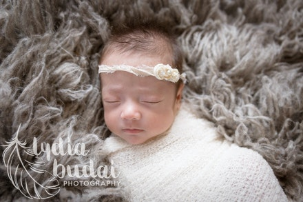 Raegan Sophia - Newborn Photoshoot, newborn photography, redding california, photographer, natural light, organic, light, simple, baby pictures, premie
