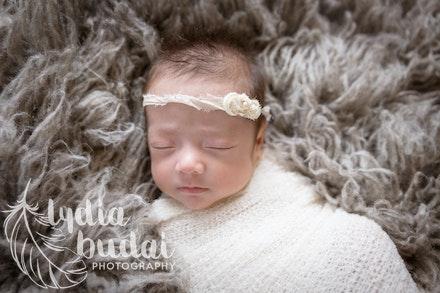 Raegan Sophia - Newborn Photoshoot, newborn photography, redding california, photographer, natural light, organic, light, simple, baby pictures, premie