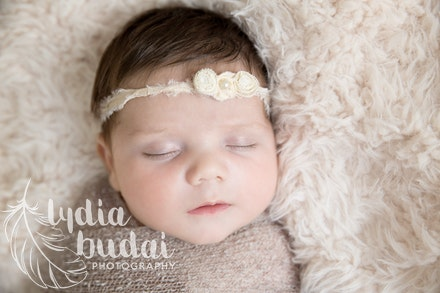 Audrey - Newborn Photoshoot, newborn photography, redding california, photographer, natural light, organic, light, simple, baby pictures, baby sister,...
