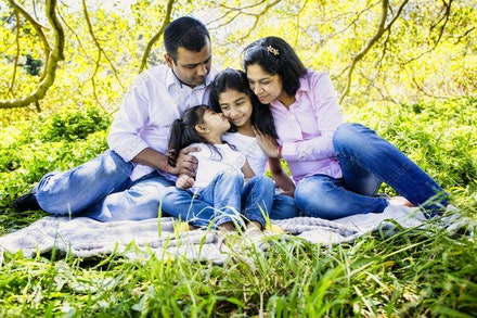 Internet 1246 Kumar Family - 22 November 2014 - Centennial Park - Family Portrait - professional headshots sydney