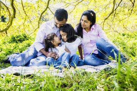 Internet 1239 Kumar Family - 22 November 2014 - Centennial Park - Family Portrait - sydney photography
