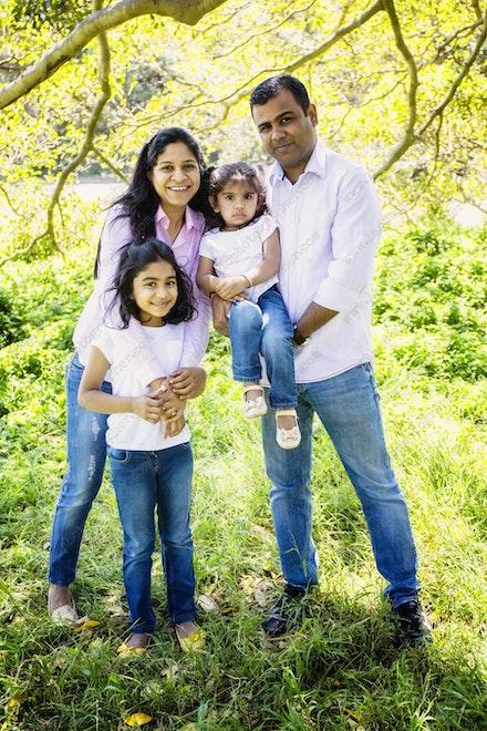 Internet 1134 Kumar Family - 22 November 2014 - Centennial Park - Family Portrait - newborn photographer sydney