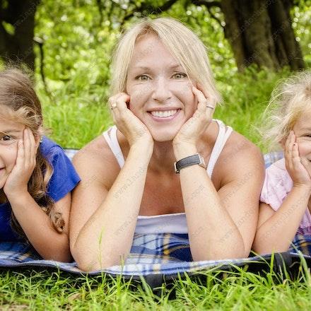Caitlin, Maia and Abigail