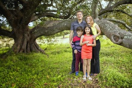Internet 1369 - Saketi Family - 17th May 2015 - Centennial Park - Family Portrait - bondi photography