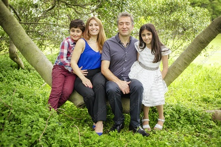 Internet 1270 - Saketi Family - 17th May 2015 - Centennial Park - Family Portrait - professional photography family portraits