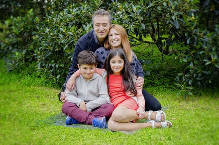 Internet 1549 - Saketi Family - 17th May 2015 - Centennial Park - Family Portrait - pet portraits sydney