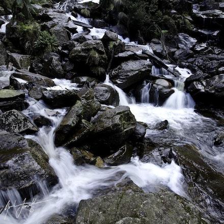 Tas Waterfall 12L