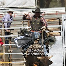 Great Western APRA Rodeo 2015 - 2nd Div Bull Ride - Sect 1