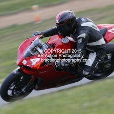 Rd 5 - Race 20 - 4 Laps - Thunderbikes & Historic ( P4, 5 & 6 )