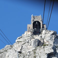 21 April - Day 3 - Table Mountain, South Africa - Table Mountain, Capetown.  Lion Head, Capetown. Signal Hill Paragliding. Hout Bay. Chapmans Peak.