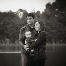 The Gillzans Family Snapshot - 3 Generations of family.... a special present for mothers day. Photography at Lilydale Lake.