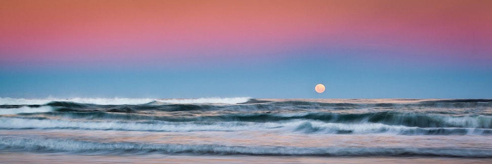 Big Moon - Sunshine Coast, Queensland - After Easter 2012, a very bright moon was predicted. Here I decided I wanted to capture the moon rise over the...