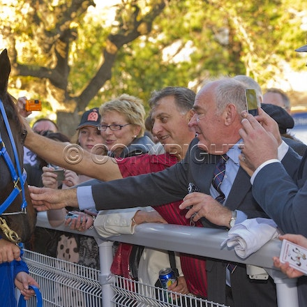 BlackCaviar-Crowd-04282012-DSC_1210