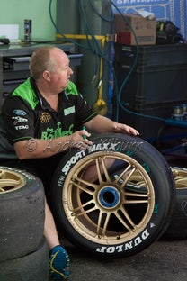 V8 SUPERCARS Barbagallo's -V8 Pits/Garages - V8 SUPERCARS Barbagallo's