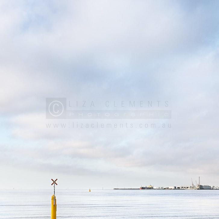 Morning Rush, Port Melbourne© - www.lizaclements.com.au