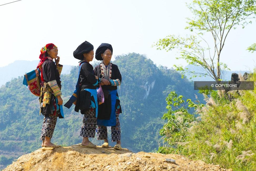 THREE LADIES NORTH VIETNAM_DSC2882 - Black Dao ladies, Vietnam, mountains, North Vietnam,