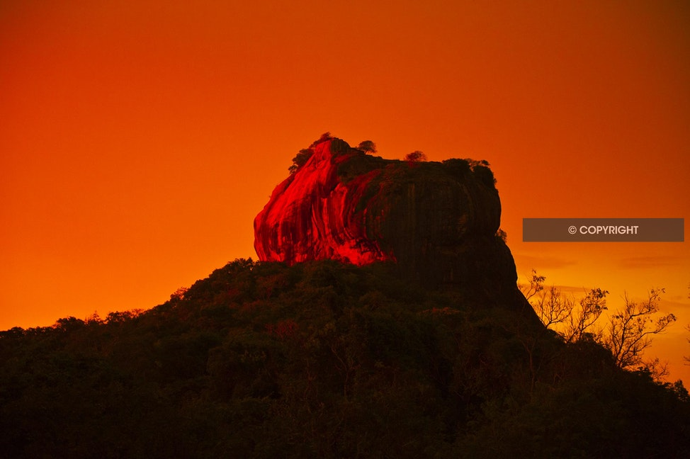SIGIRIYA_DSC4781 - Sigirya the rock fortress, sunset over Sigirya,