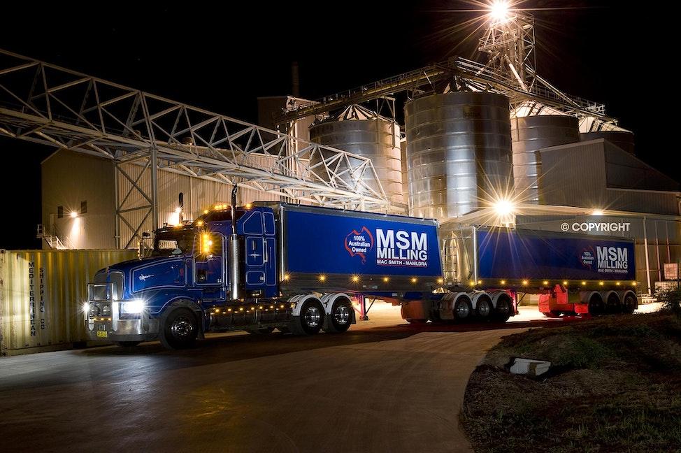 MSM MILLING  AAA_9170 - Trucks, unloading, canola, wheat, silos,