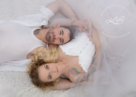 Couples-portraits - Beautiful couple portrait by Logan City Portrait Photographer, Kerry Bergman