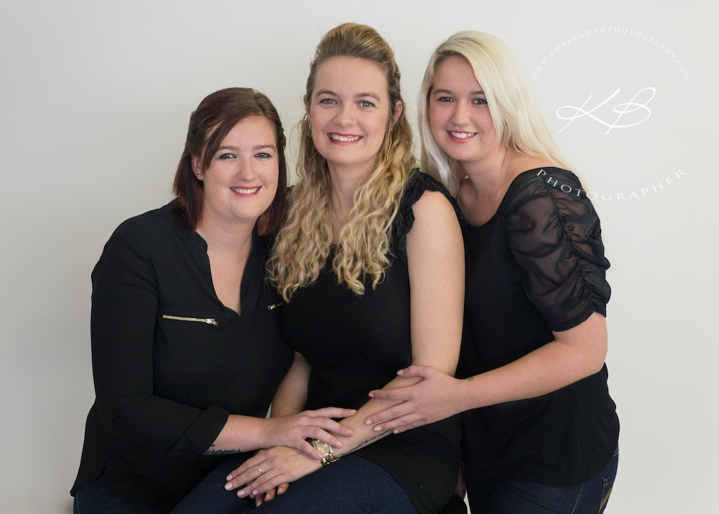 Sisters-and-friends-for-life - Beautiful glamour portrait by Logan City Portrait Photographer, Kerry Bergman