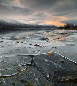 ice crack at Loch Glascanoch
