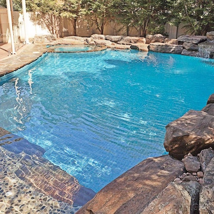Natural stone pool & spa