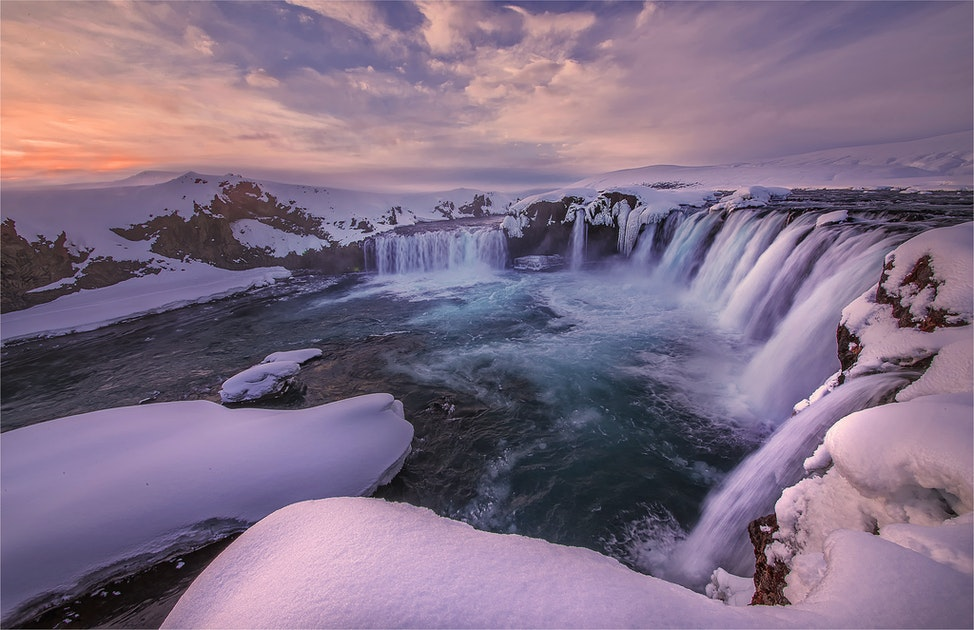 Godafoss-Winter-ICL044-17x25
