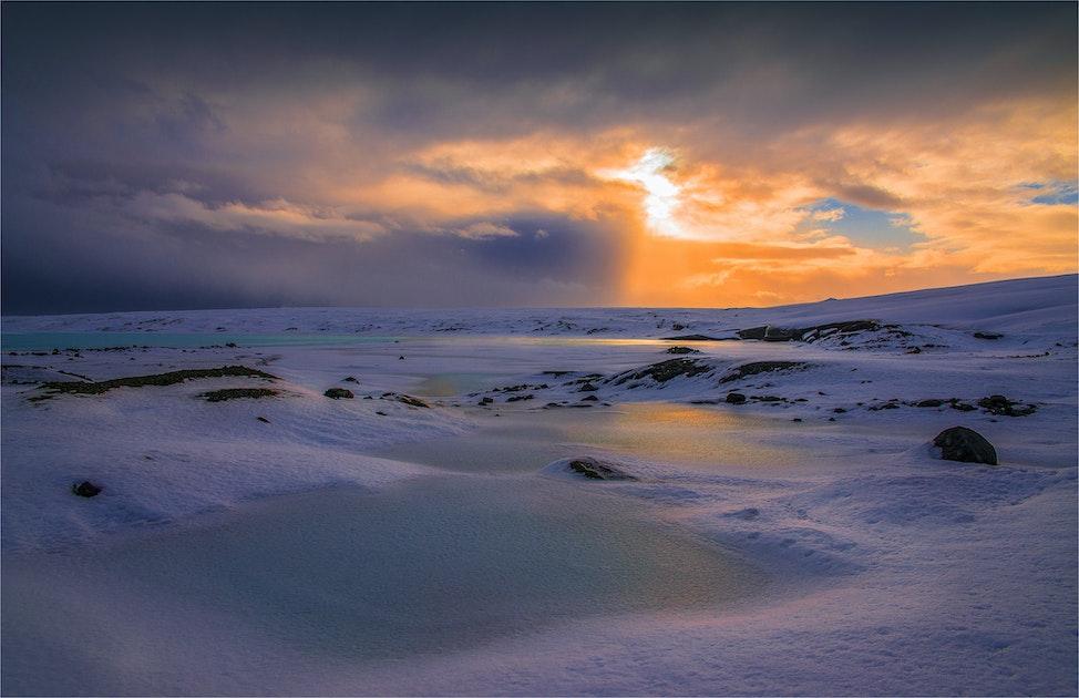 Vatnajokull-Glacier-Ice-Cave-2016-ICL312-17x25