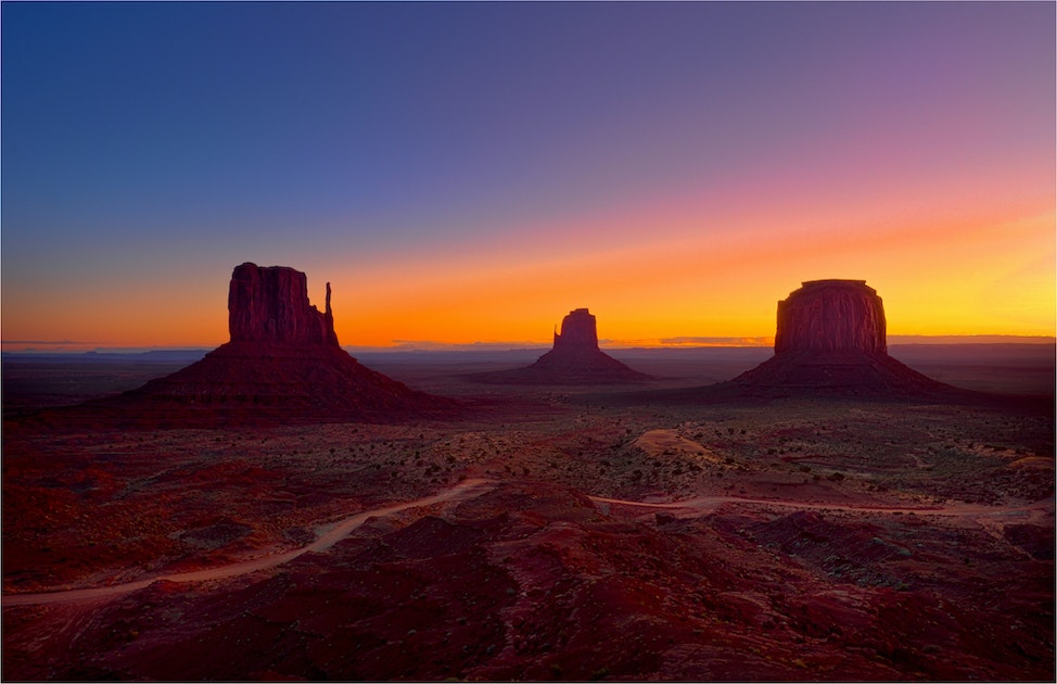 Monument-Valley-Dawn-AZ0109-11x17
