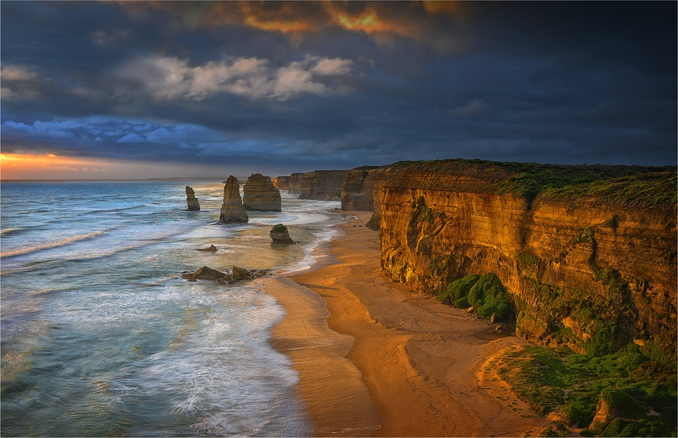 Twelve-Apostles-Shipwreck-Coast-V02-11x17