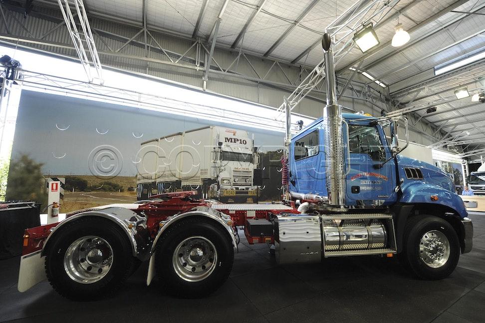 Mack Truck 2012-77 - Mack Truck