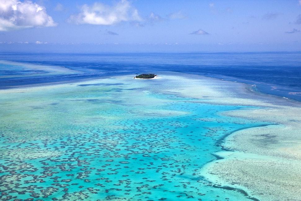 Heron Island_48557 - Aerial view of Heron Island and reef.