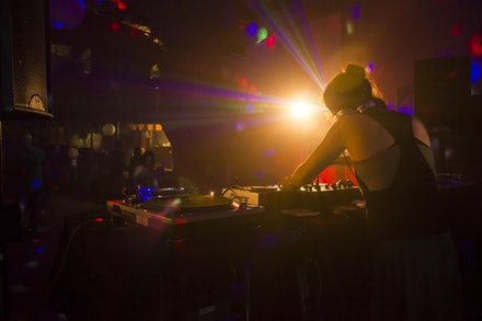 Behind the wheels - Flux @ The Rhythm Hut