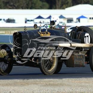 HISTORIC MOTOR RACING
