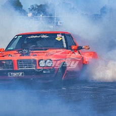 RAGE IN THE CAGE. Burnout comp Bairnsdale Dragway 29-3-2015