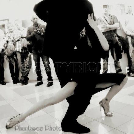 Tango bw 01