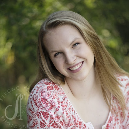 Beautiful Ellie...Class of 2017!! - Cheyenne Mountain HS
